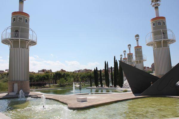 Architettura contemporanea a barcellona parque de la for Architettura contemporanea barcellona